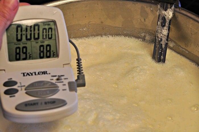 heating milk for mozzarella cheese