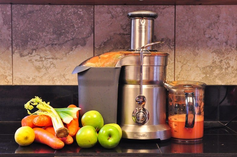 how to save money juicing, raw carrot juice, Breville Juice Fountain Duo