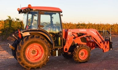 Kubota 8540 Narrow Tractor