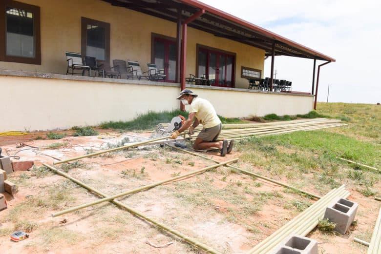 Trellising Grapevines - Albarino Vines - cutting vsp posts