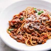 Spaghetti Bolognese {Crockpot} | Chelsea's Messy Apron