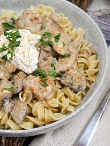 chicken stroganoff in a bowl